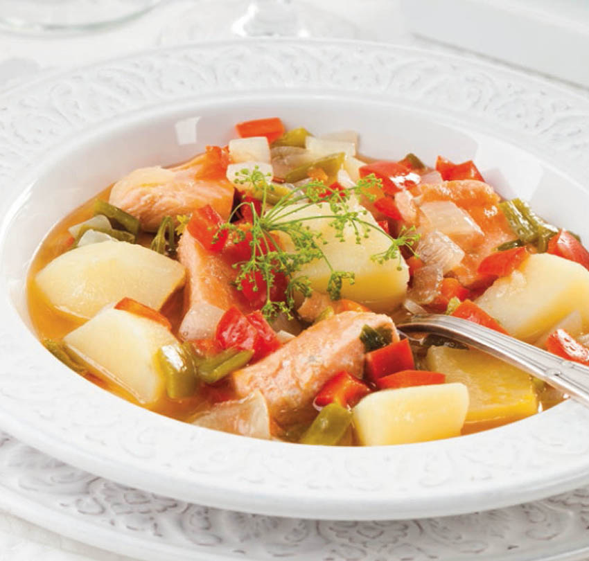 Salmón guisado con patatas