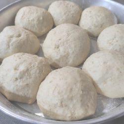 Bolas de pan en reposo